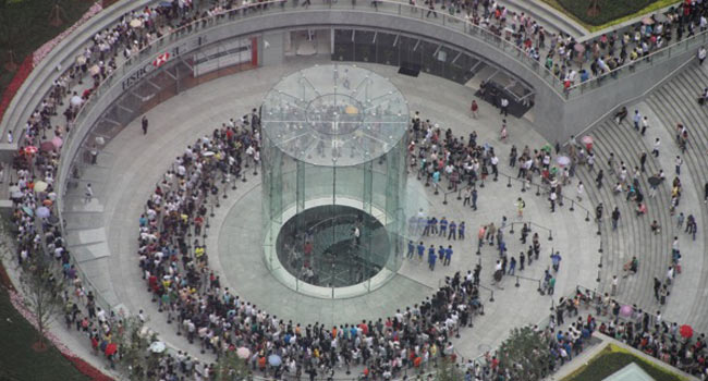 Apple's largest store in China is now open for business Image